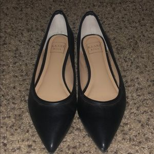 Black point toe flats